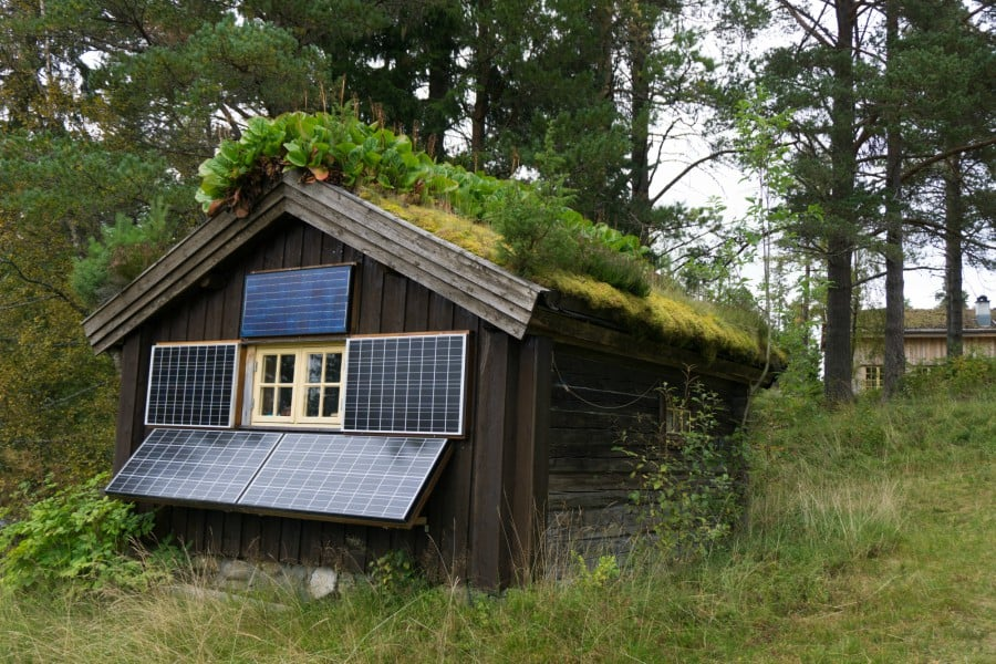 solar powered off grid cabin